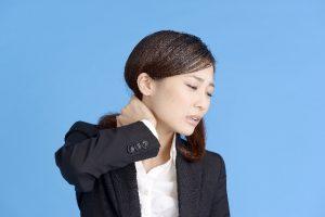 首の痛みと足首の関係